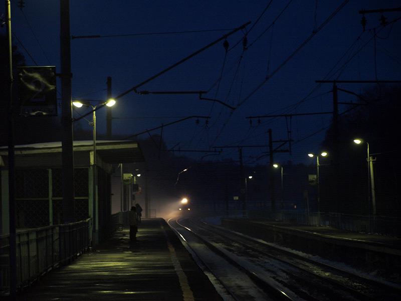 Прибытие электрички из тумана... Нахабино, весна 2010