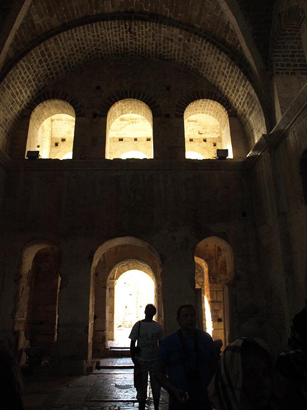 Внутри церкви. церковь Святого Николая, Демре, Турция, осень 2013