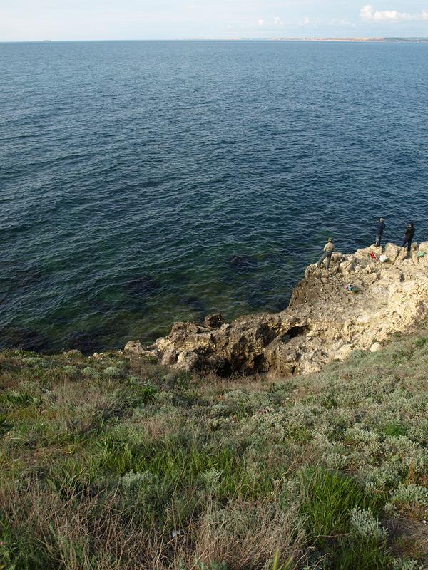 Обрыв к морю. Херсонес, Крым, весна 2010