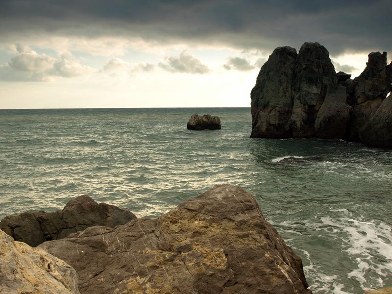Скалы и камни...  Гурзуф, Крым, зима 2011