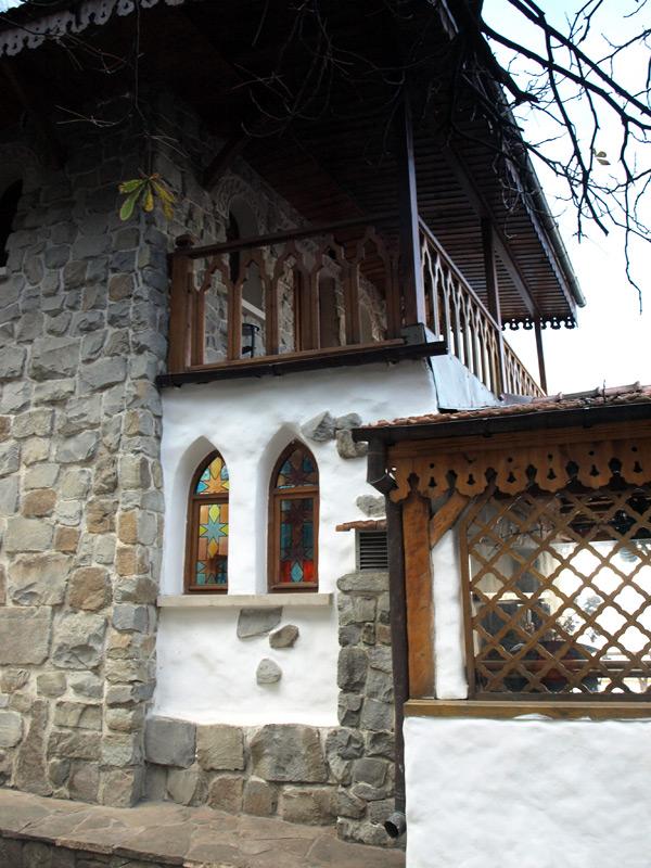 Витражи и балкончик.  Гурзуф, Крым, зима 2011