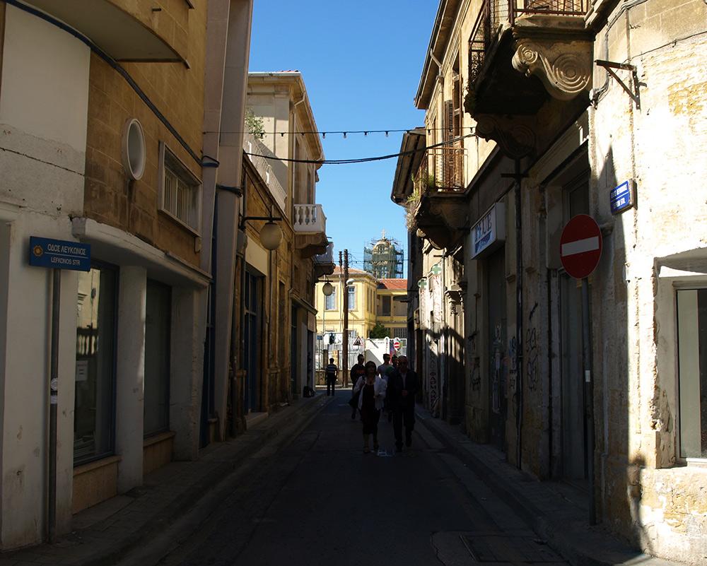 На пути к туристическому кварталу.   Никосия, Кипр, осень 2014