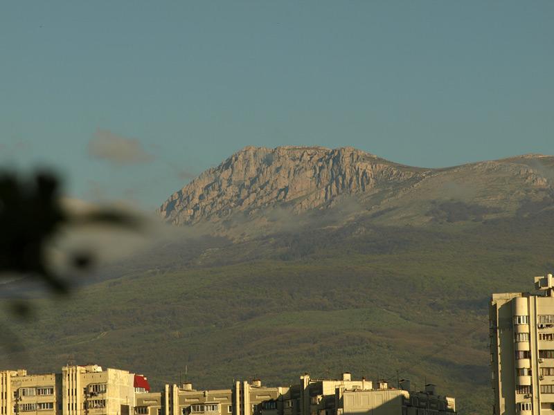 Гора Демерджи утром. Алушта, Крым, весна 2010