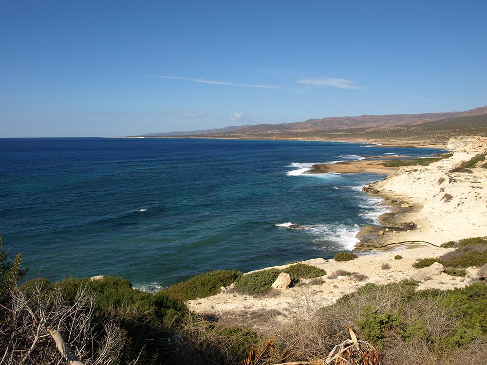 Морской вид из деревни Святого Георгия.   Кипр, осень 2014