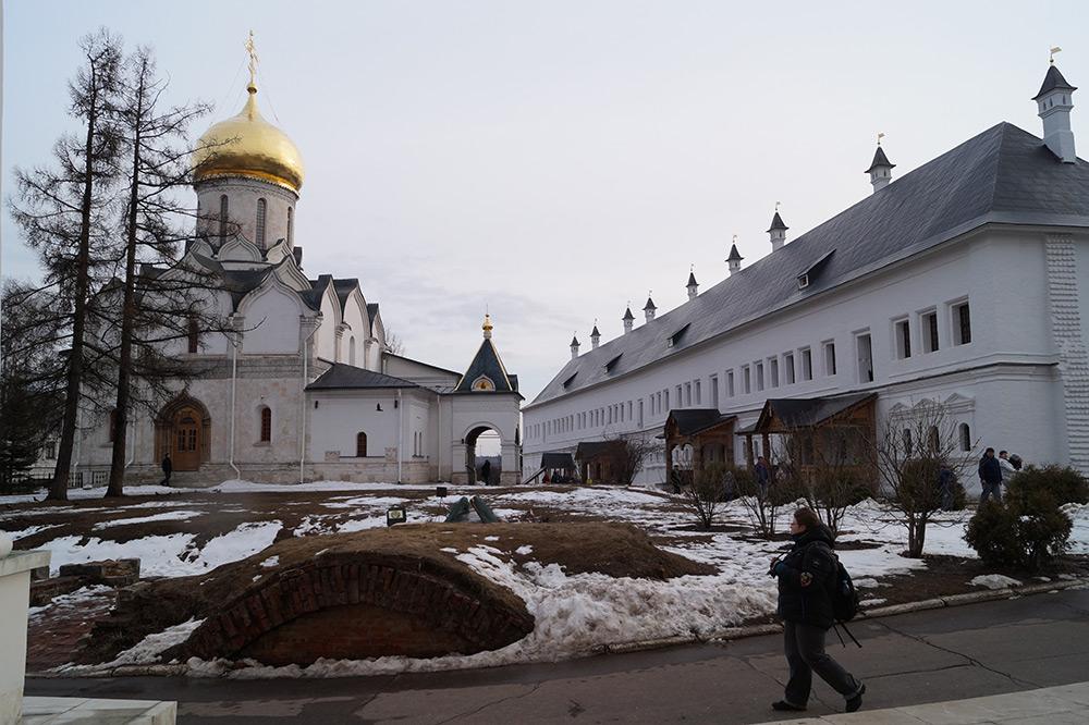Саввино-сторожевский монастырь фото весной