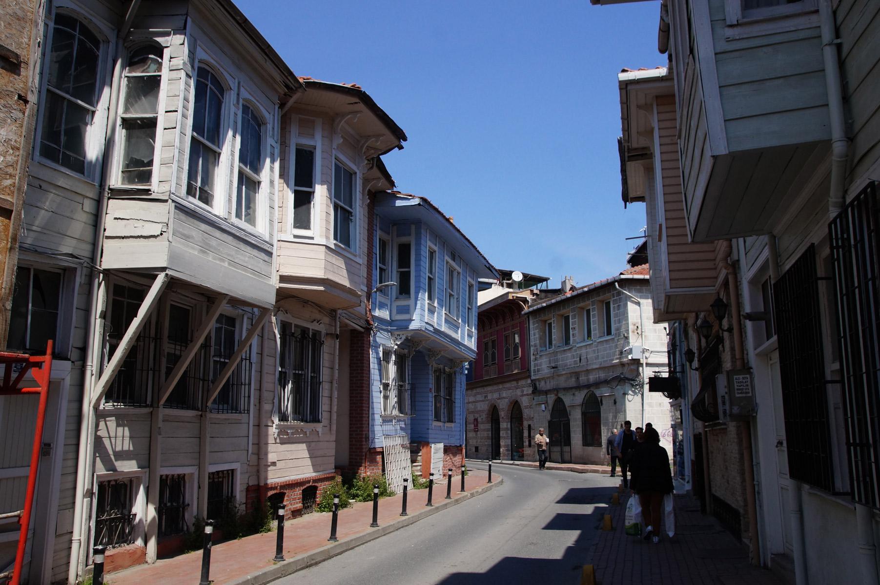 Один домик самобытнее другого. Стамбул, Турция, весна 2019