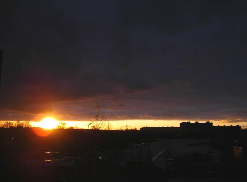 Окно для солнца...  Нахабино, весна 2007