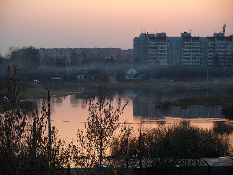 Полоска дыма...  Нахабино, весна  2009