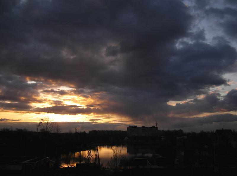 Холодный вечер.  Нахабино, весна 2007