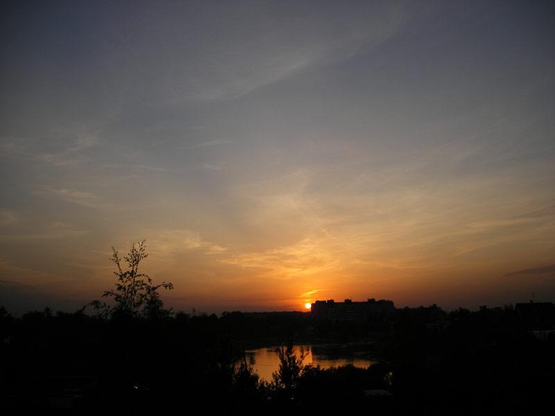 Солнце за домом... Нахабино, лето 2007