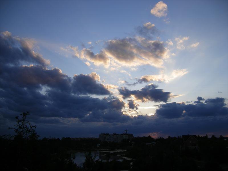 Гроза надвигается... Нахабино, лето 2007