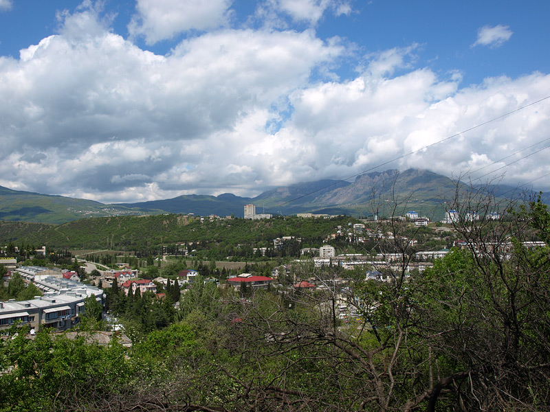 Облака над Демерджи. Алушта, Крым, весна 2009