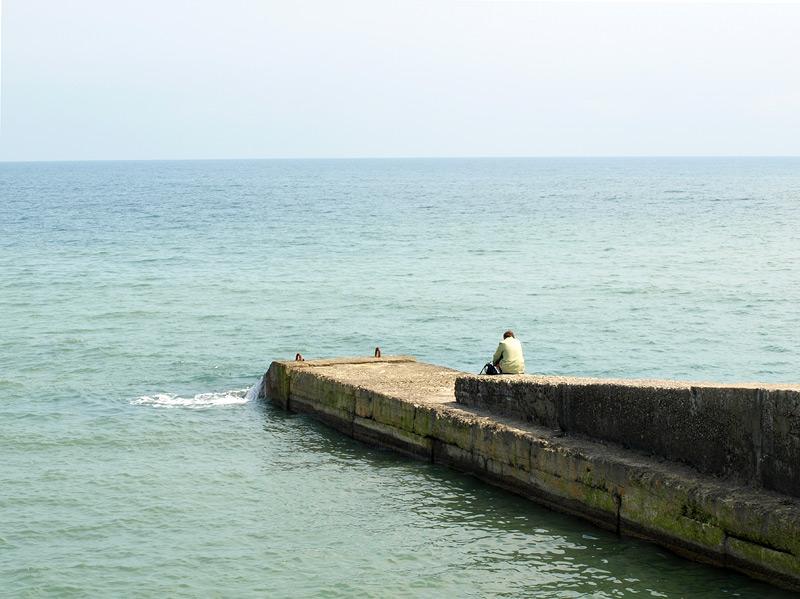 Человек и море... Алушта, Крым, весна 2009
