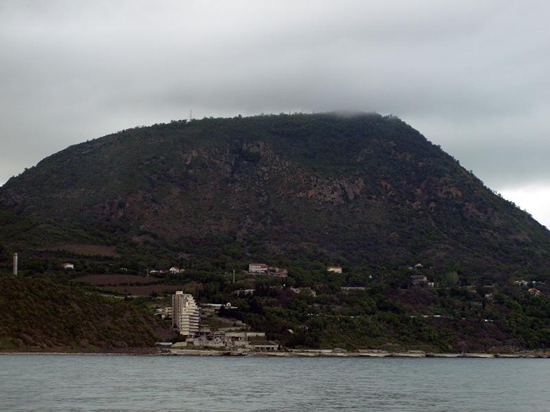 Гора Кастель.  Крым, весна 2009