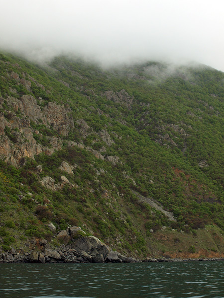 Облака, горные кручи и море...  Крым, весна 2009