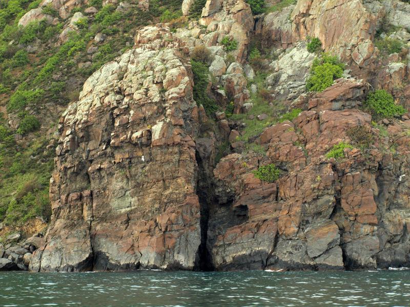 Красота скал...  Крым, весна 2009