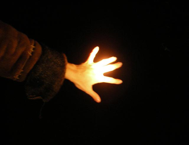 Светящаяся рука:) Нахабино, осень 2006