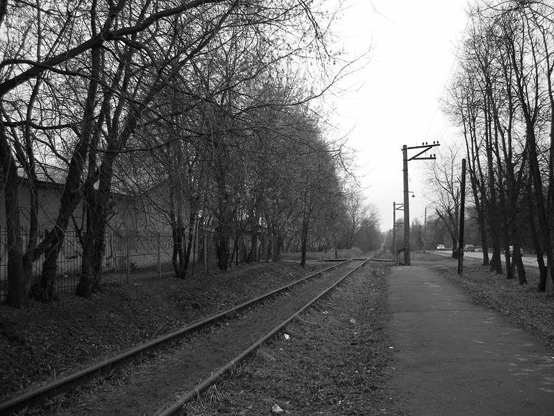 Опустевшая навсегда платформа... Окрестности Нахабина, осень 2006