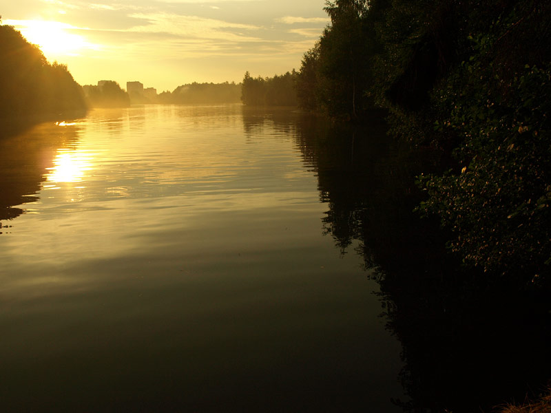 Закат над речкой.   Черноголовка, лето 2010
