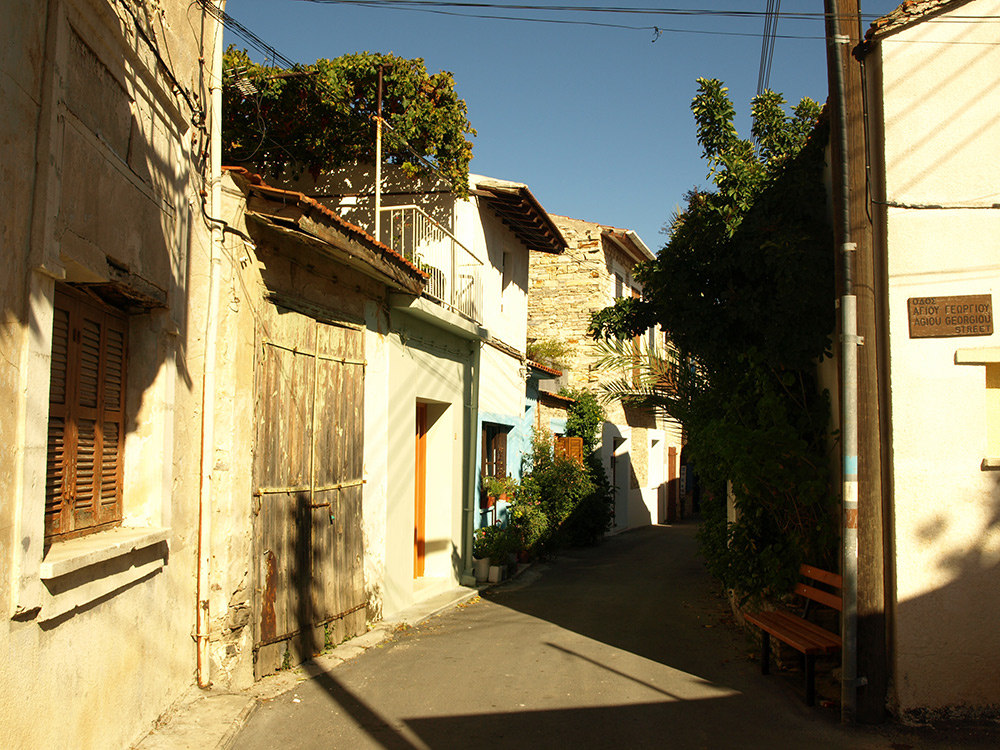 Улица Святого Георгия.   Лефкара, Кипр, осень 2014