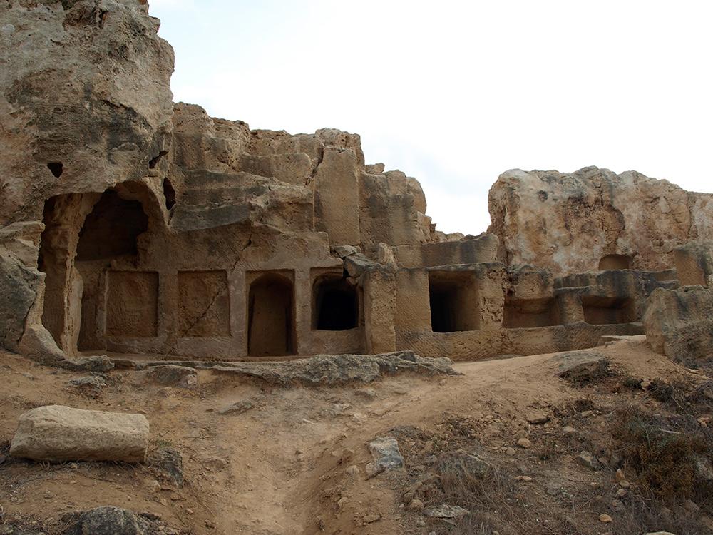 Плотные захоронения. Пафос, Кипр, осень 2014