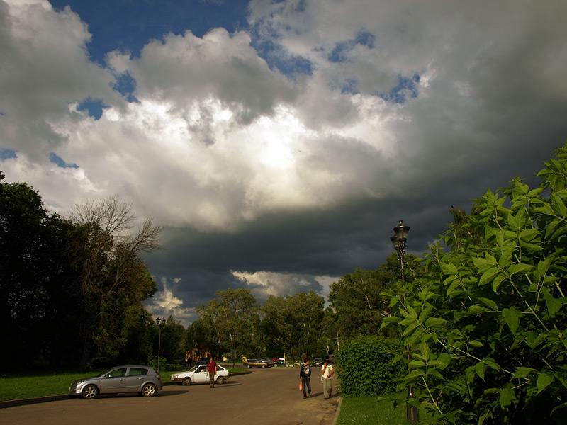 Неприветливые облака... Новый Иерусалим, лето 2010