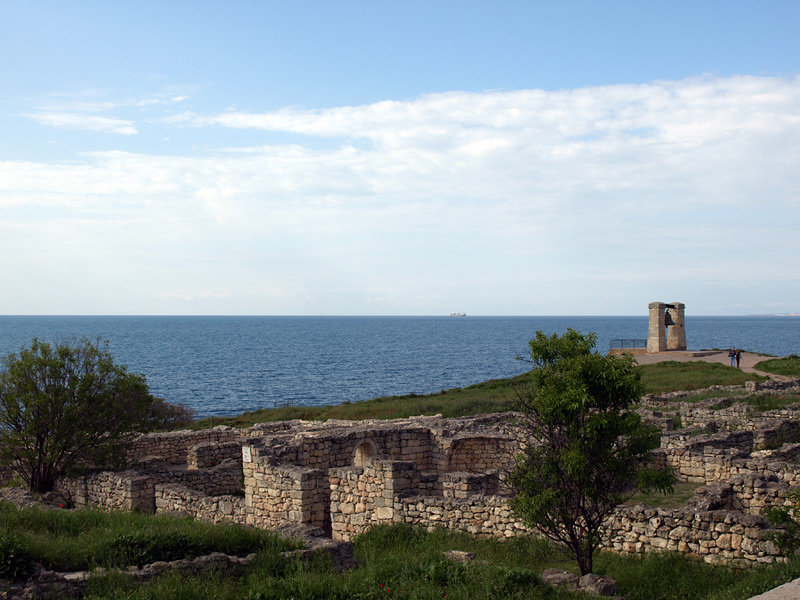 Очертания руин. Херсонес, Крым, весна 2010