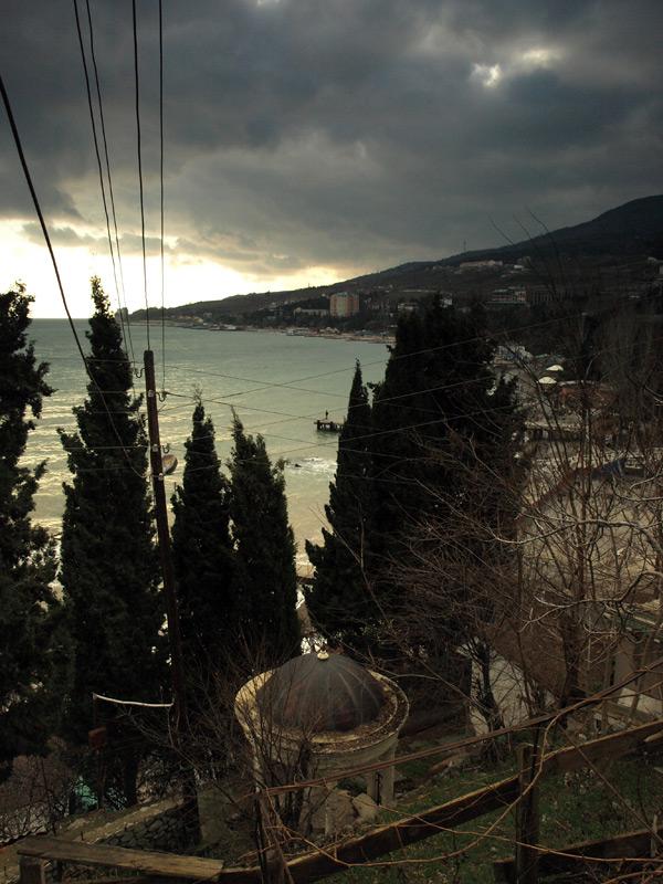 Беседка над морем.  Гурзуф, Крым, зима 2011