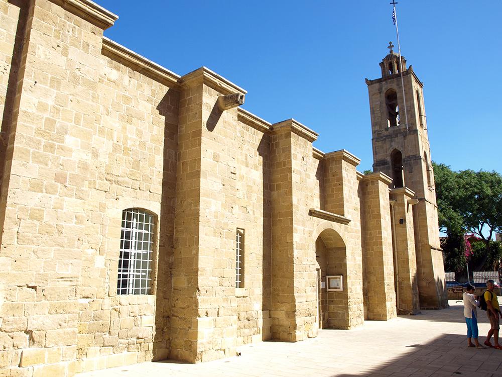 Кафедральный собор в Никосии.   Никосия, Кипр, осень 2014