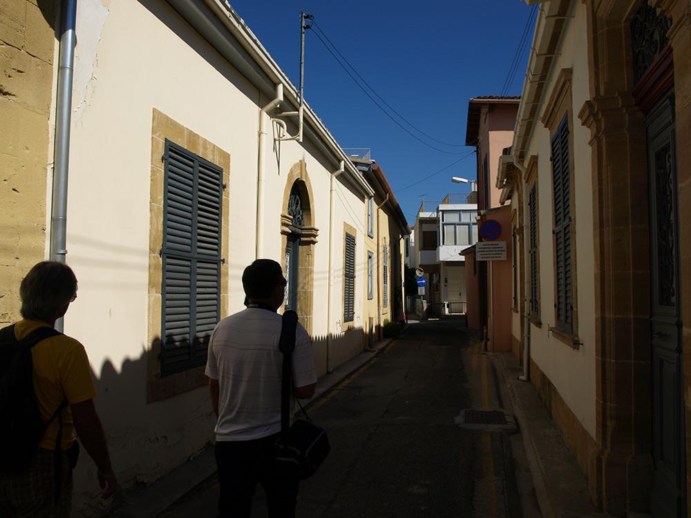 Тернистый путь извилистыми переулками.   Никосия, Кипр, осень 2014