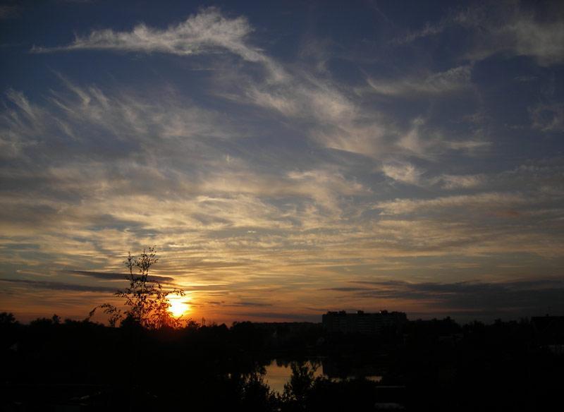 В сетях облаков... Нахабино, лето 2007