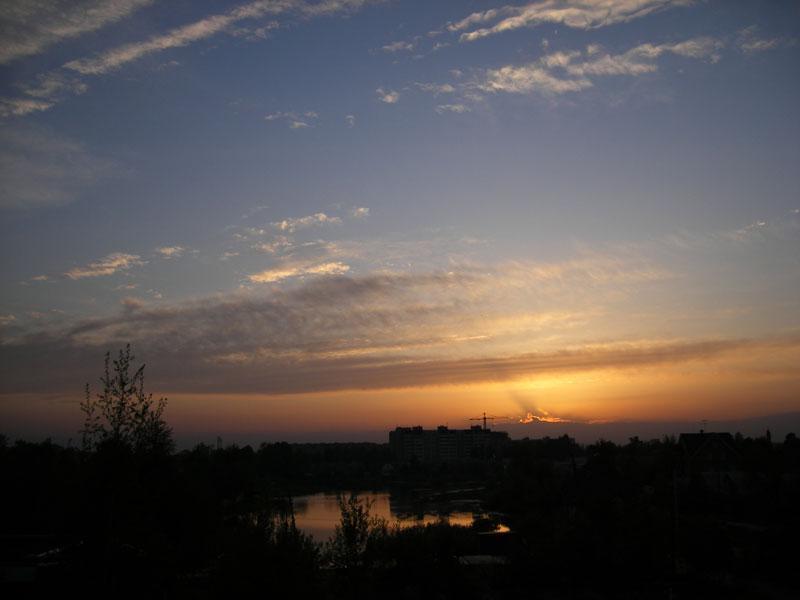 Росчерки облаков Нахабино, весна 2007
