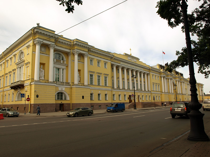 Синод и сенат санкт петербург лето 2009
