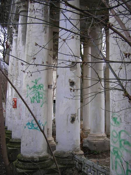 Руины эпохи Краснодар, весна 2007